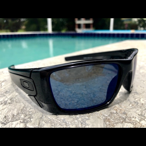 Oakley Fuel Cell Polarized >> Oakley Accessories Mens Fuel Cell Polarized Sunglasses Poshmark